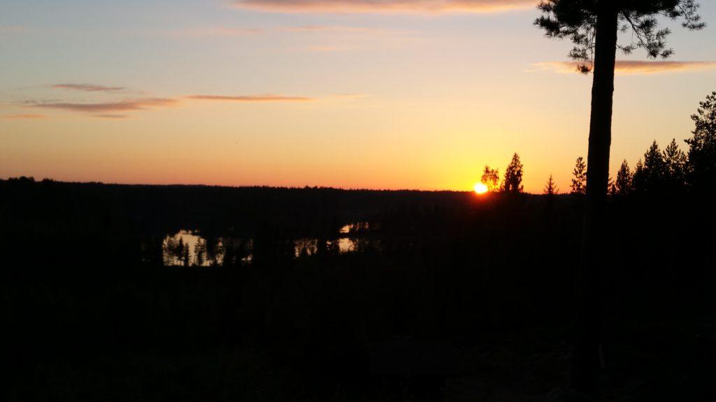 Tramonto Hulppojärvi